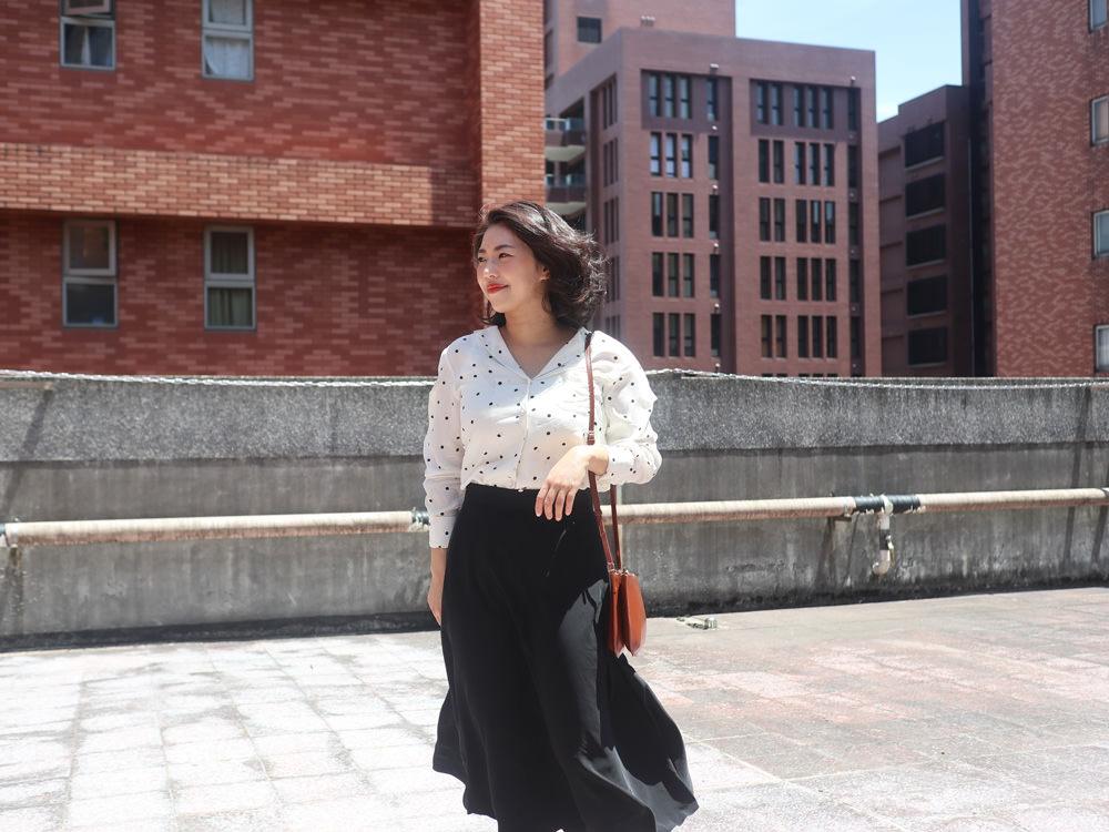 【Outfit】久違的屋頂穿搭照!Sezane Florence Shirt + 韓貨DobeKorea + A.P.C. Sarah bag