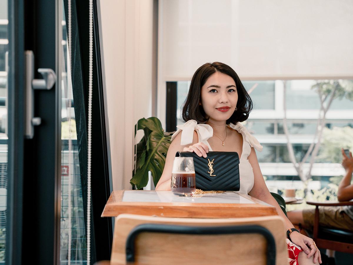 【Outfit】網美咖啡店的假網美穿搭~推薦百搭的Sezane Rick Top & Petite Studio紅色花裙!