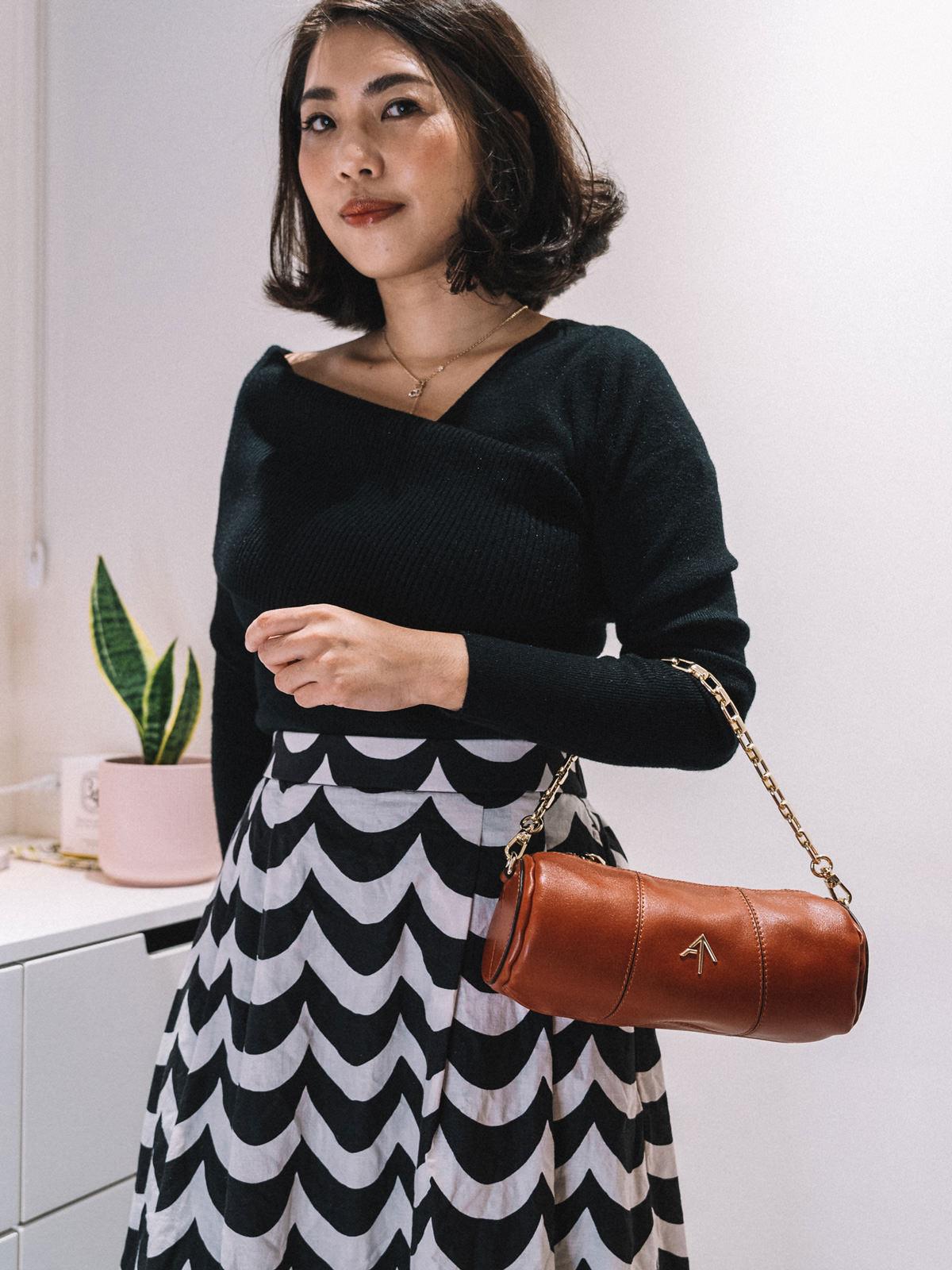 【Outfit】秋冬穿搭來了!Line & Dot不對稱針織上衣+Uniqlo x MARIMEKKO寬襬裙+Manu Atelier Mini Cylinder bag