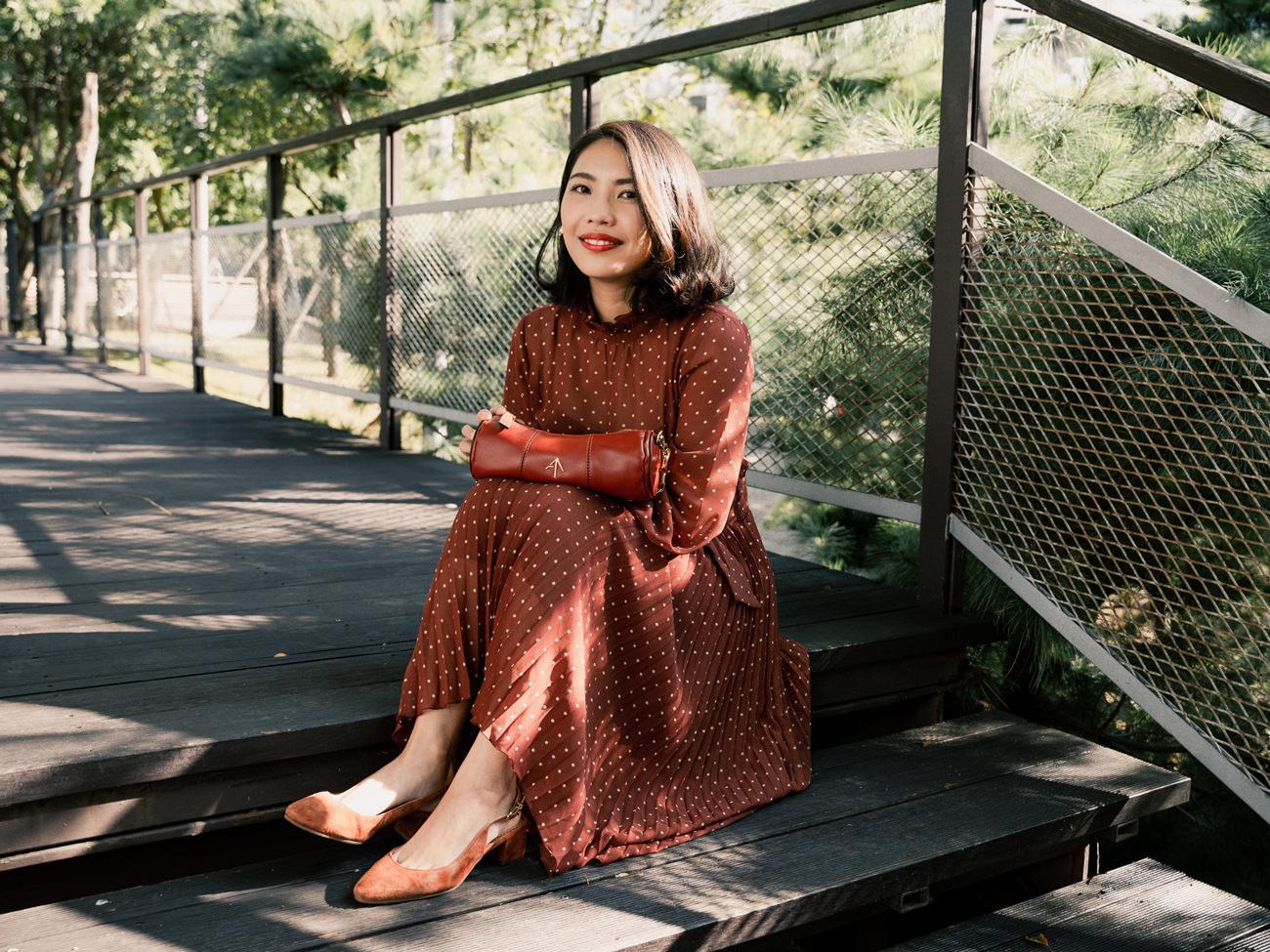 【Outfit】Sezane Muse Dress 實穿~秋天到了,就來個楓葉色系搭配!