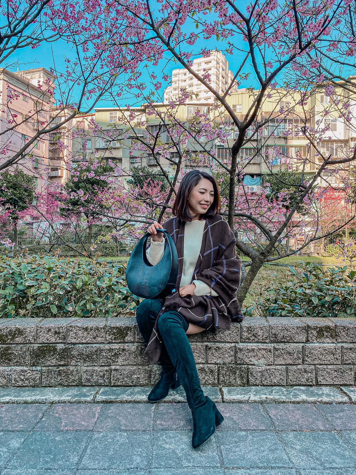 賞櫻季節🌸今年的賞櫻穿搭~Line & Dot 花瓣毛衣超可愛,很適合穿去賞櫻呀!