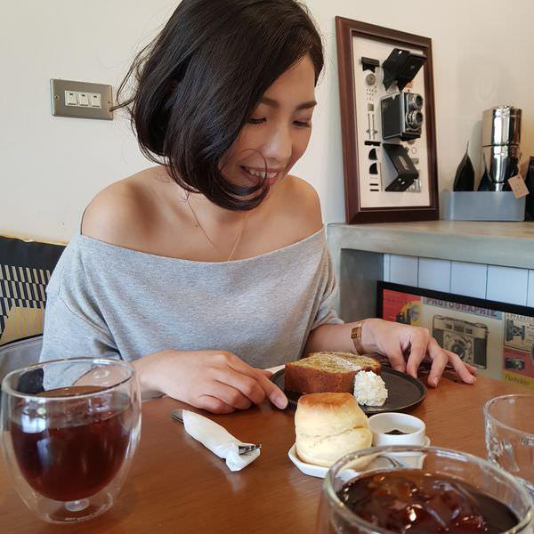 ┃Eat┃東湖/汐止:簡約樸實的白色調 深藏在汐止的文青咖啡廳【左撇子日常Lefty Daily】